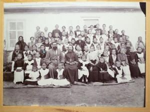 Ученики станичной школы. Станица Холмская. Фото нач. XX века.