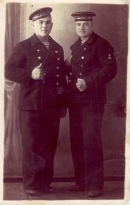 И.Л. Ярошко с другом Харченко. 1941